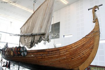 Islendingur-working-replica-of-Viking-ship